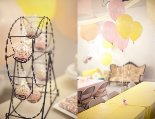 http://data.whicdn.com/images/19283514/ferris-wheel-cupcake-stand-580x448_large.jpg