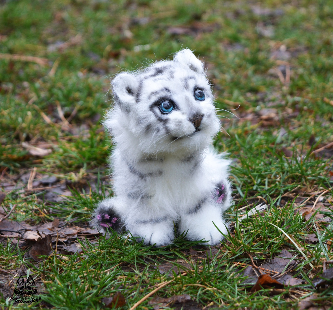 Really young baby white tiger on We Heart It