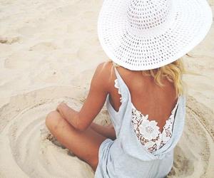 Capeline. | via Tumblr
