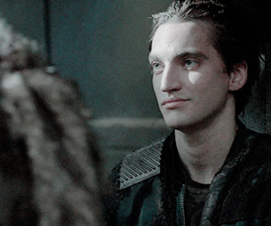 richard harmon gif tumblr