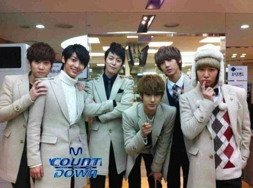 Boyfriend_promises_i_ll_be_there_on_m_countdown__09122011014014_large