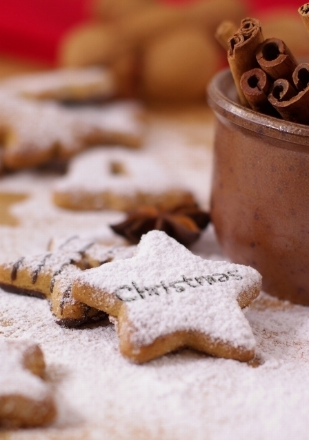 Christmas-coockies-cookies-stars-tasty-favim.com-248427_large