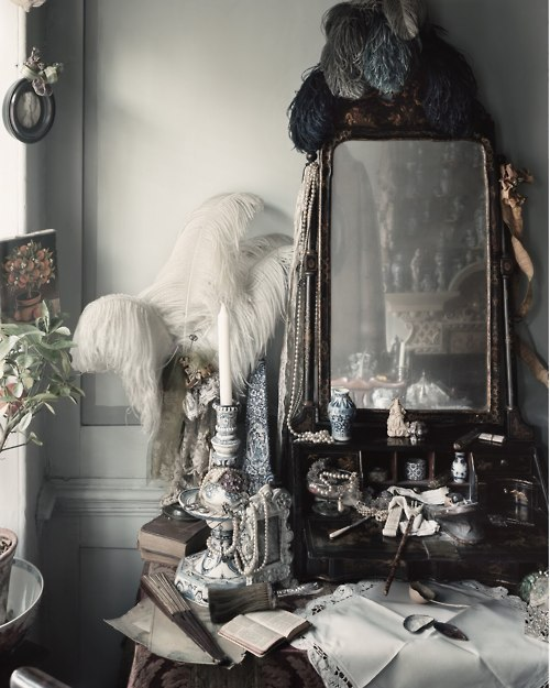 Lace+and+ostrich+feathers_large