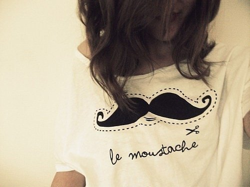 Fashion-girl-mustache-photography-favim.com-241641_large
