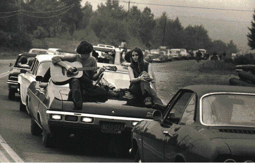 Black,,,white,hippie,sixties,woodstock,vintage,no,words,needed-e05e580858dfd70dcff77aa5d01d947e_h_large