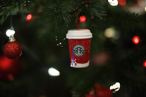 Cristmas-lights-new-year-starbucks-favim.com-149928_large