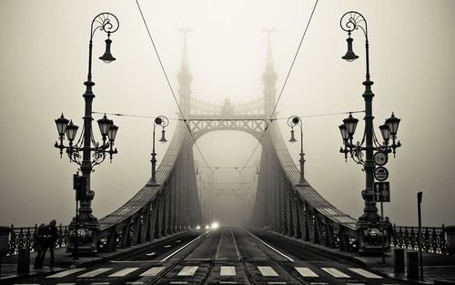 Foggy-bridge-in-budapest-hungary-800x500_large
