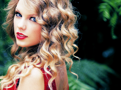 Lovely+taylor+swift_large