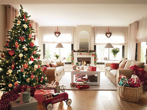 Miss-design.com-christmas-spirit-house-2_large