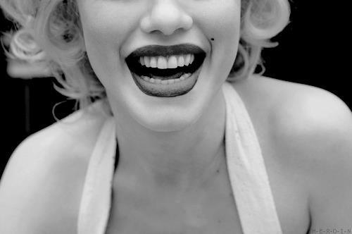 Beautiful-black-amp-white-lips-marylin-monroe-pretty-favim.com-243944_large