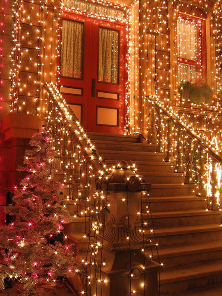 6-photo-outdoor-indoor-christmas-lights-blog_large