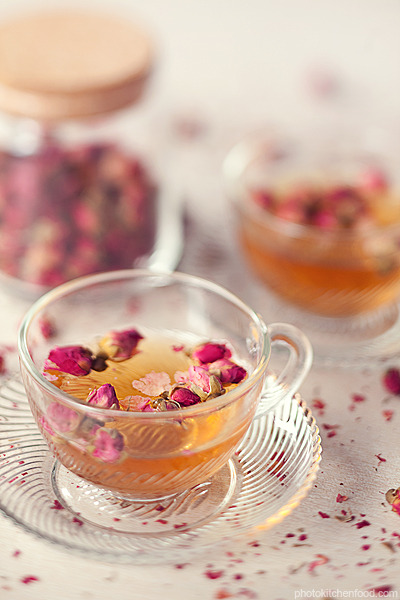 Rose_tea_by_peachjuice_large