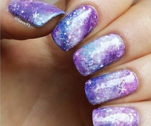 Gorgeous galaxy nails