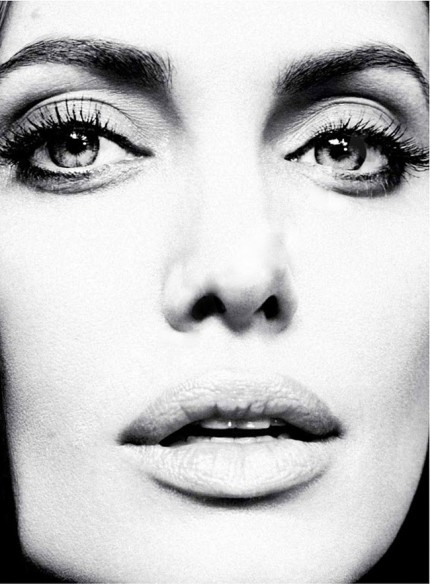 Angelina-jolie-marie-claire-january-2012-12072011-08-430x584_large
