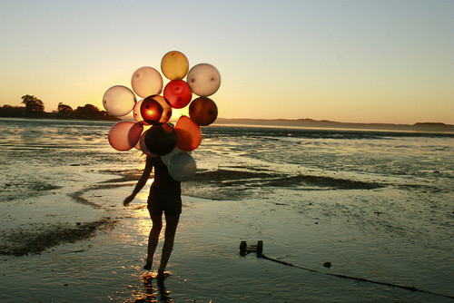 Balloon,beach,beautiful,photography-197d5823ec7bada23db3aa4ee673d238_h_large