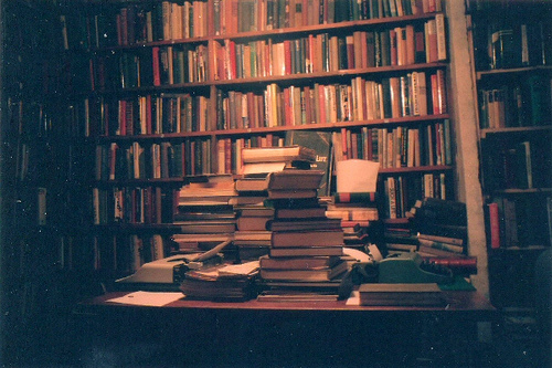 Book-shelves-books-dark-grain-library-favim.com-126359_large