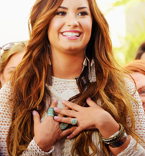 Demi+lovato+png_large