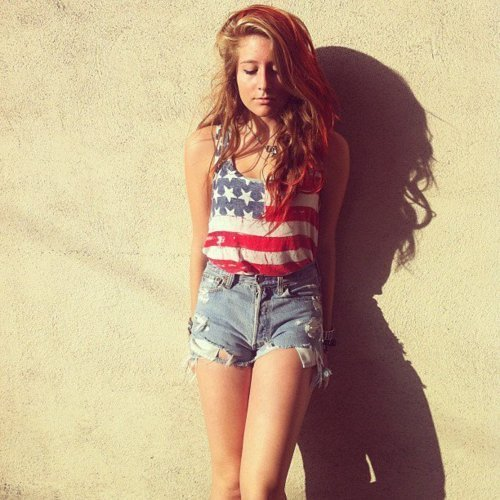 American-flag-brunette-girl-shadow-short-favim.com-260328_large