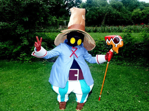 http://data.whicdn.com/images/20859810/vivi-cosplay_large.jpg