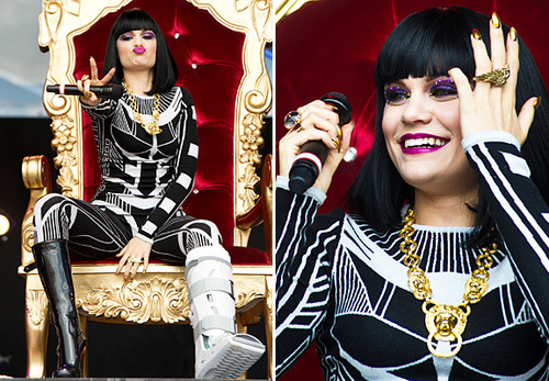 Jessie-j-broken-leg_large