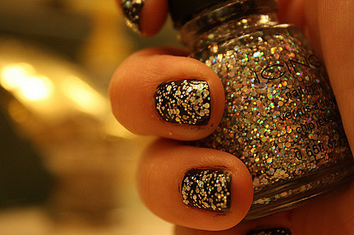 fashion, nails, nails glitter art - inspiring picture on Favim.com