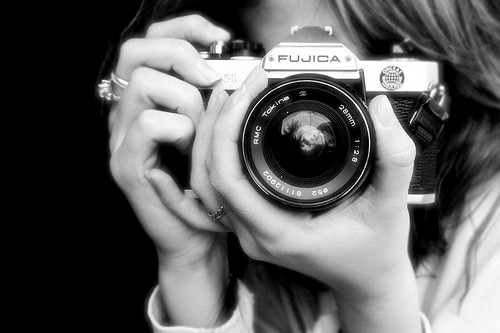 Girl with camera photoshop cool black and white camera girl with camera which digital cameras - Foto in camera ...