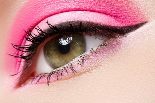 Closeup-of-beautiful-female-eye-with-bright-fashion-makeup-seprimoris_large