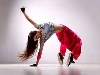 Girl-dance-music-movement-wallpaper-320x240_large