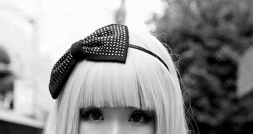 Asian-black-and-white-bow-cute-eyes-favim.com-265522_large