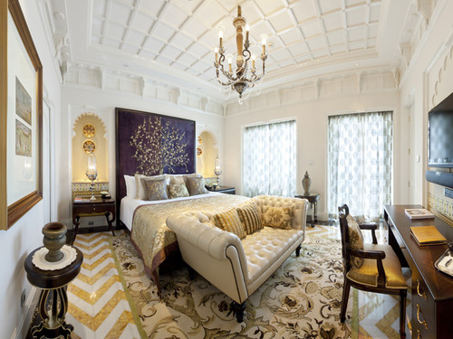 Ci-taj_rajput-suite-bedroom-chandelier-pattern-white_s4x3_lg_large