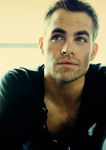 Chris-pine-captain-kirk-star-trek-hot-sexy_large