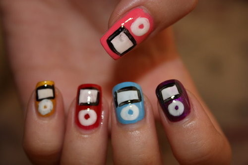 Ipod_nails_by_hellokitty1996-d4i1eb5_large