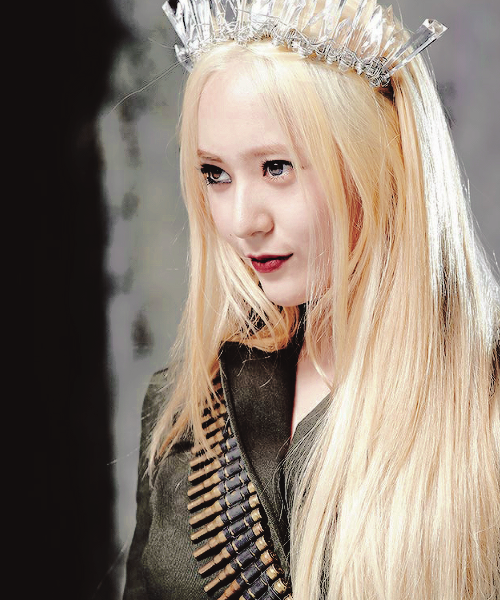 krystal jung blonde hair the image kid has it. Black Bedroom Furniture Sets. Home Design Ideas