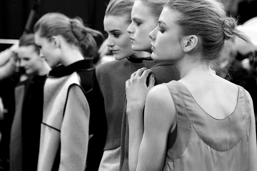 Backstage-black-and-white-fashion-girl-model-favim.com-209082_large