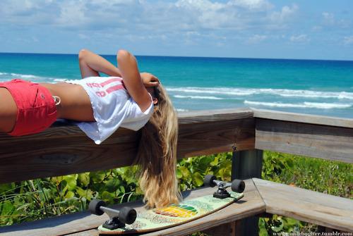 Beach-blonde-blue-cool-cute-favim.com-274420_large