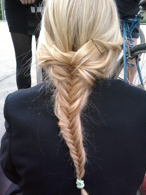 Blonde-braid-cute-fishtail-fishtail-braid-favim.com-256273_large