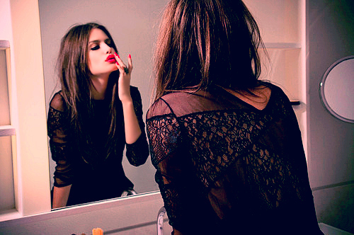 Brunette-fashion-girl-lips-photo-red-favim.com-104811_large_large