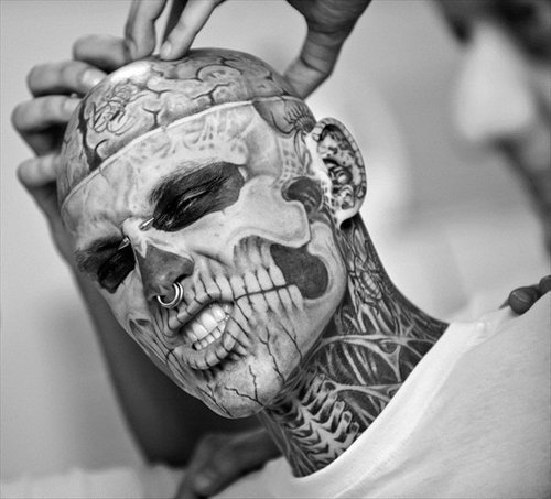 Bibz-3-black-and-white-boy-piercing-rick-genest-favim.com-276544_large