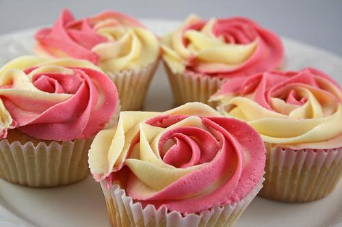 Cupcake-cupcakes-delicious-food-pink-favim.com-277259_large