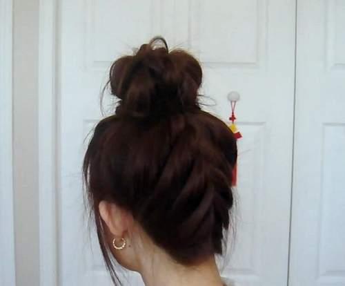 Gyaru-upside-down-braided-bun_large