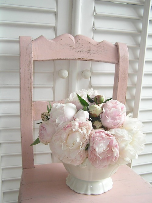 Pastel-pink-chair-peonies_large
