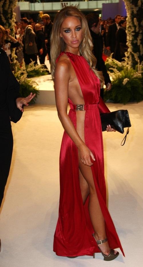 Красном длинном платье порно 58521 фотография