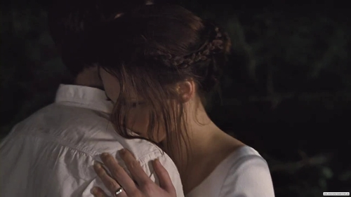 Breaking-dawn-part-1-tv-spot-love-forever-kristen-stewart-26392510-1280-720_large