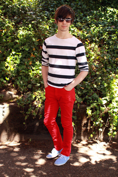 Black-h-m-glasses-blue-h-m-top-red-h-m-pants-blue-urban-outfitters-shoes_400_large