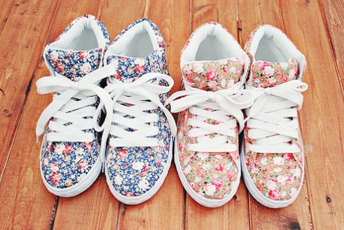 Beautiful-flowers-girls-pretty-shoes-favim.com-282109_large