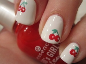 Nail-art-red-strawberries-favim.com-282489_large