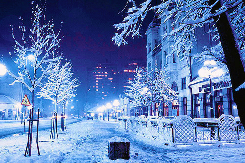 Crepini five things to enjoy during winter - Snow night city wallpaper ...