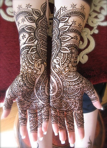 Latest-mehndi-designs_large