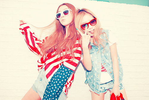 american flag, cool, fashion, friends, sunglasses - inspiring picture on Favim.com