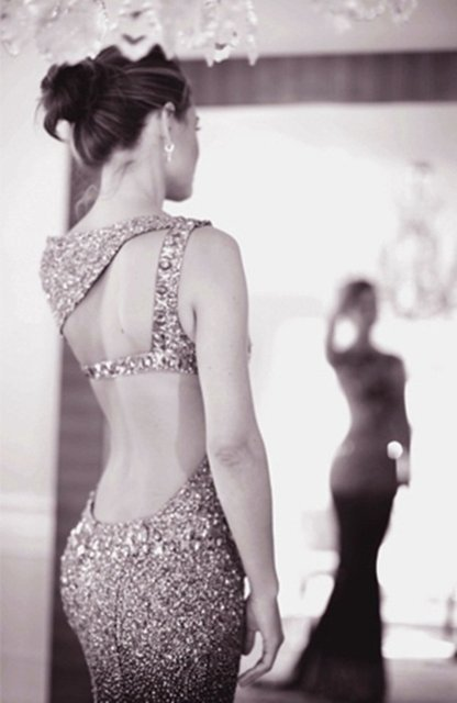 Fancy - Pretty backless dress